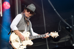 4 Tom Petersson