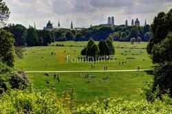 16: Englischer Garten mit Skyline