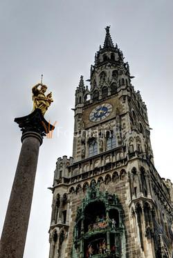04: Mariensäule und Rathaus