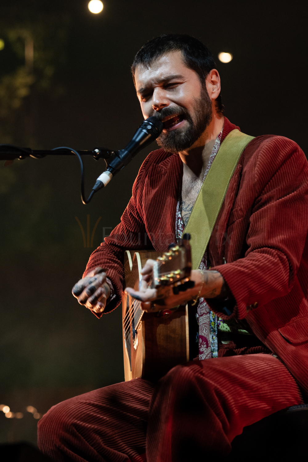 4 Simon Neil