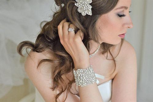 SISSY Vintage Inspired Crystal & Pearl Bridal Cuff
