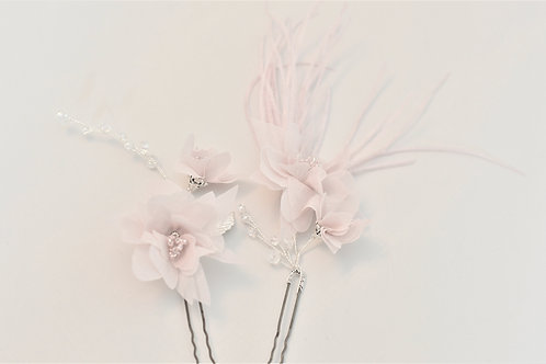 ODETTE Romantic flower Pins