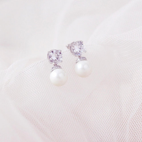 SIA Classic Beauty Zirconia and Pearl bridal earrings