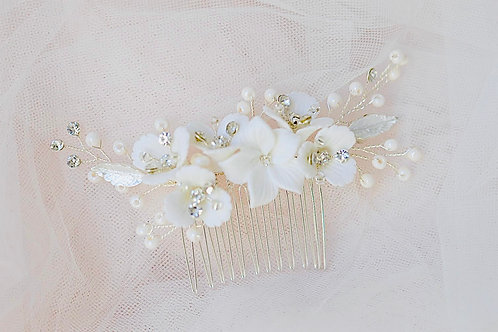 ALICE Pretty White Flowers and Crystals Bridal Hair Comb
