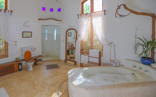 umande-bathroom1.jpg