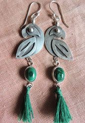 Parrot Pequeño Earrings with Malachite