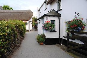 Bed and Breakfast Accommodation in North Devon - Little Thatch Braunton