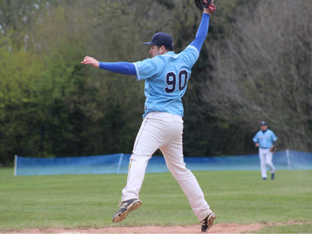 Blue Sox dethrone Royals to go top of the table