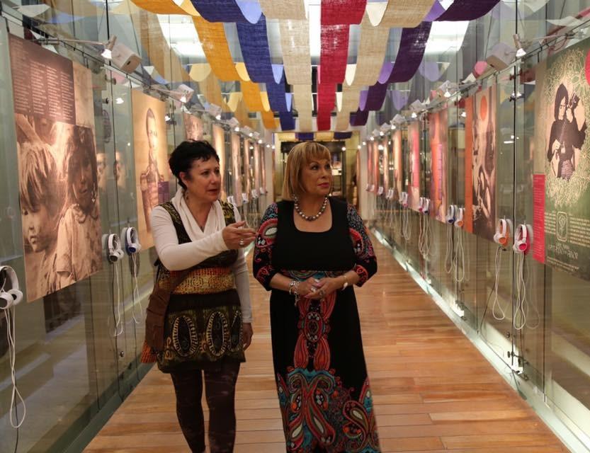 Con Palmenia Pizarro