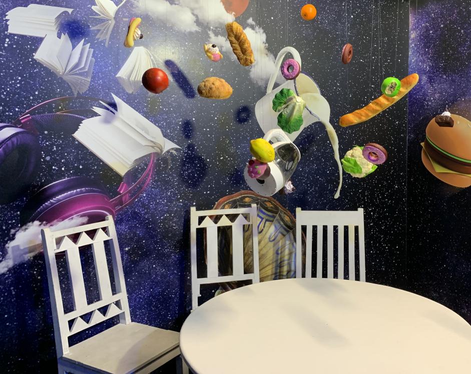 כמו בחדר האוכל בחללית: האוכל עף על עצמו