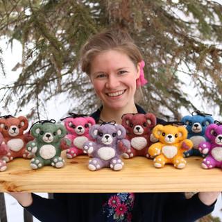 Linnae with bears.JPG