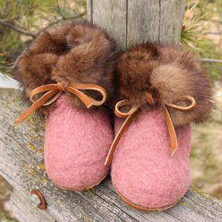 slippers little pink.JPG