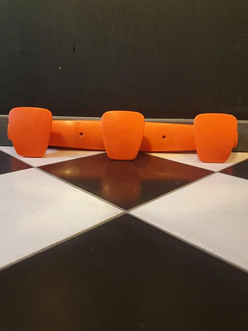 Patères en plastique orange POLA
