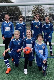 Larkhall Athletic Youth u11s girls team