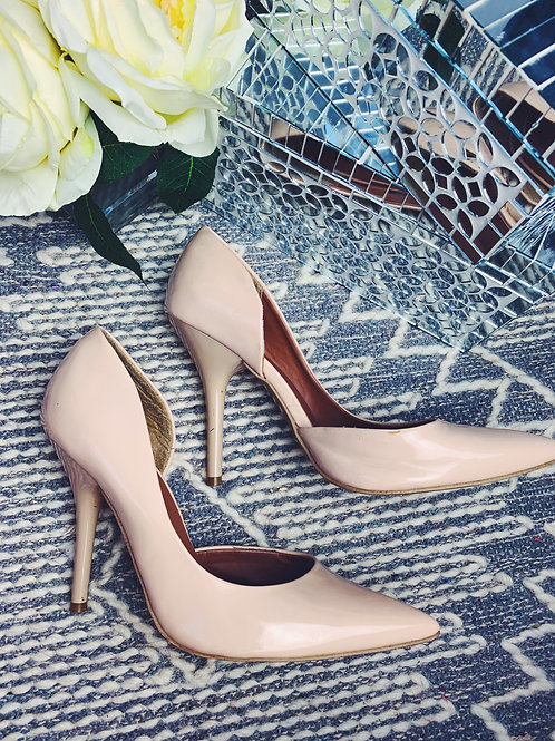 Beige Patent Leather Pump - SIZE 9.5