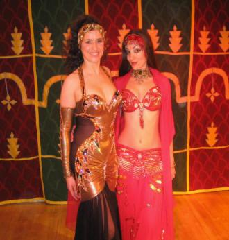 Amana et Ansuya : studio show danse orientale