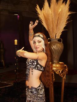 Ansuya danseuse orientale