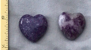 Lepidolite-hearts-small.JPG
