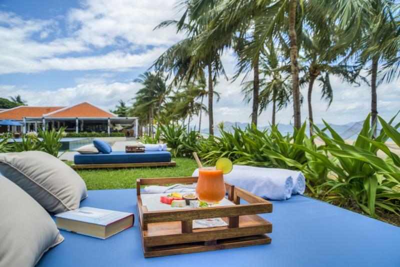 Outdoor_seating_Ana_Beach_House_