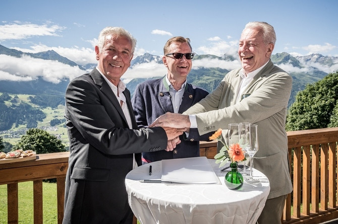 Three generations of the family of the owners, Franz Wieser (left) and Dr.Walther Staininger (right),  dedicate a gondola in honor of Bernhard Bohnenberger, president of Six Senses Hotels Resorts Spas, and the Six Senses team