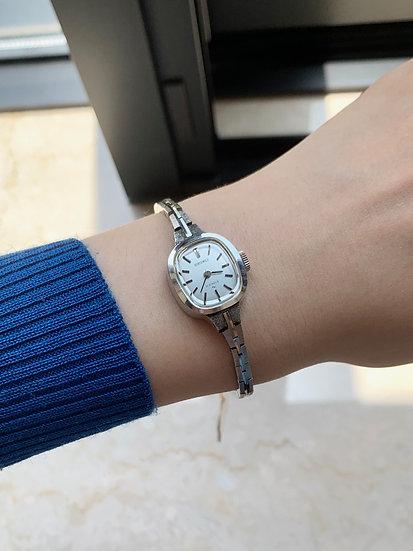 Seiko women's watch 11-3560
