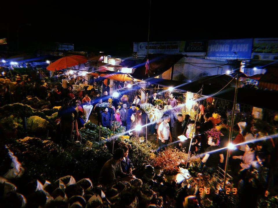 Chợ hoa Hà Nội