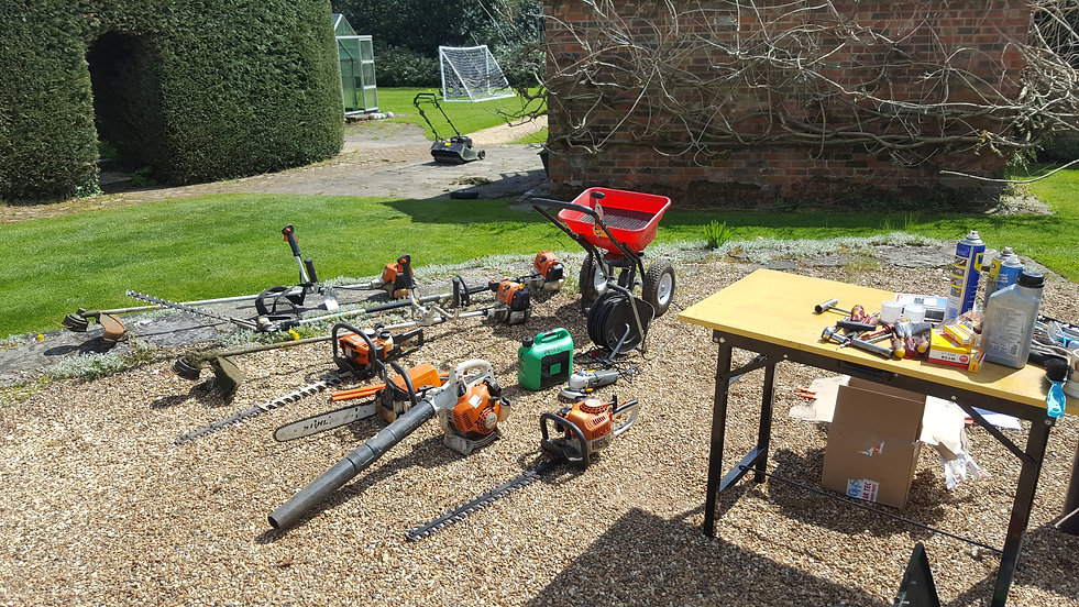 Mobile garden machinery servicing and garden machineryr epairs