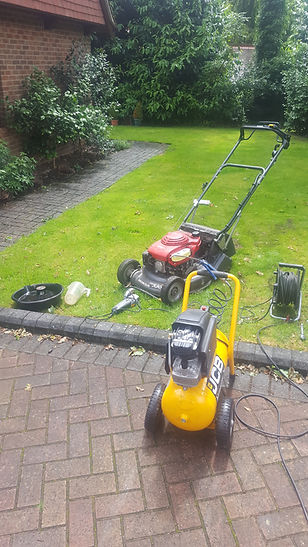 Lawnmower servicing and garden machinery servicing and repairs
