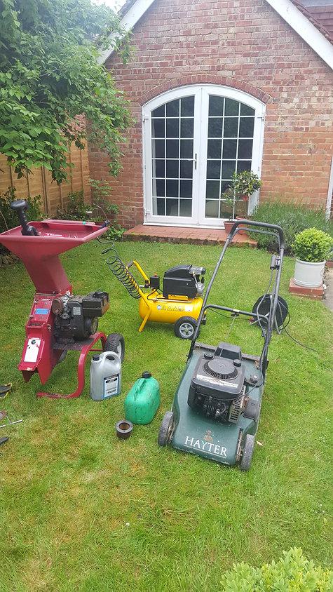 Mobile lawnmower service, mobile lawnmower repairs
