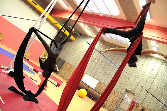 Cours_Cirque_Enfants_Adultes_Boulogne_Billancourt_Cirque_Nomade-26.jpg