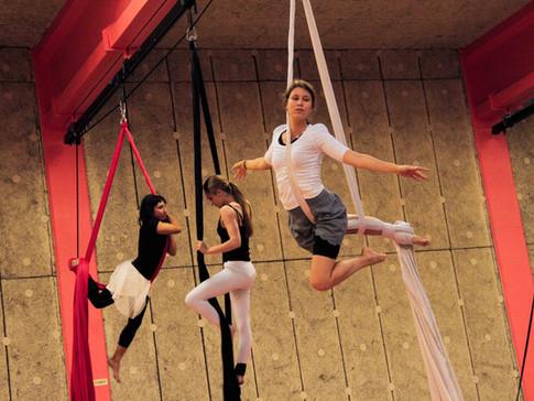 Cours_Cirque_Enfants_Adultes_Boulogne_Bi