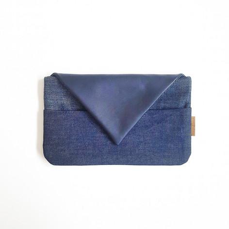 SHOP Clutch Blue
