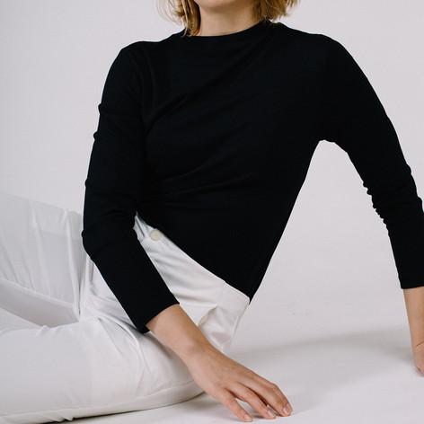 SHOP Universal sweater