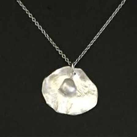 Rose Petal Pendant with Frest Water Pearl