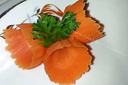 carrot garnish / food decoration