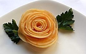 vegetable garnish / turnip food decoration