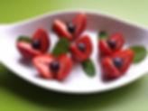 Garnishing with fruits / strawberry