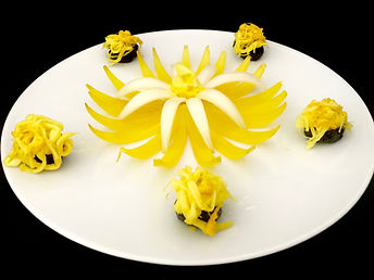 appetizer / Cheese and prune/ food decorating, food, food presentation, vegetable decoration, cheese presentation