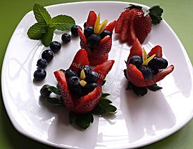 Food decorating / fruit  dessert
