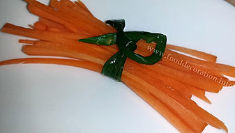Food decoration / Carrot garnish