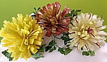 Garnish from leeks / vegetable decorations