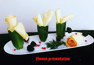 Food presentation / cheese