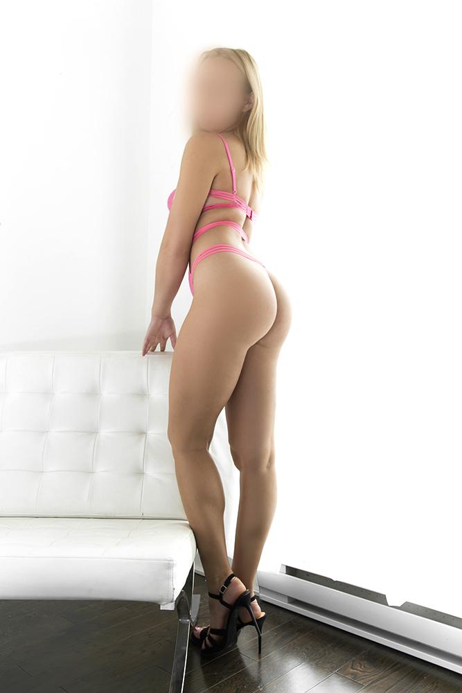 Tania05