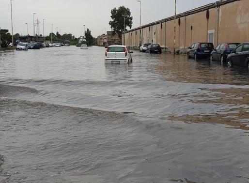 Forti piogge su Catania, zona industriale di nuovo sott'acqua, 100 interventi dei pompieri