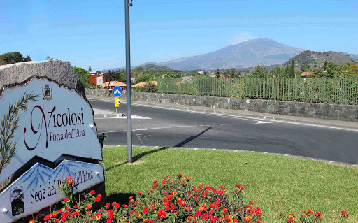"Nicolosi ""reopens"" from this weekend, from June 14 the group tours on Mount Etna restart"