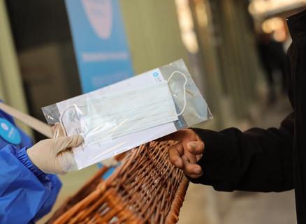 Distribution des masques offerts par la Région