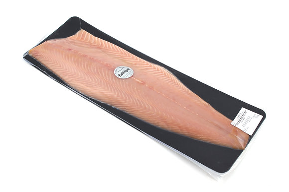 Saumon Sauvage Fumé de la Mer Baltique Entier Décongelé 1.5kg/+