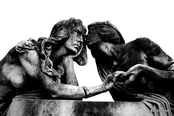 Stone Mourners, Italy