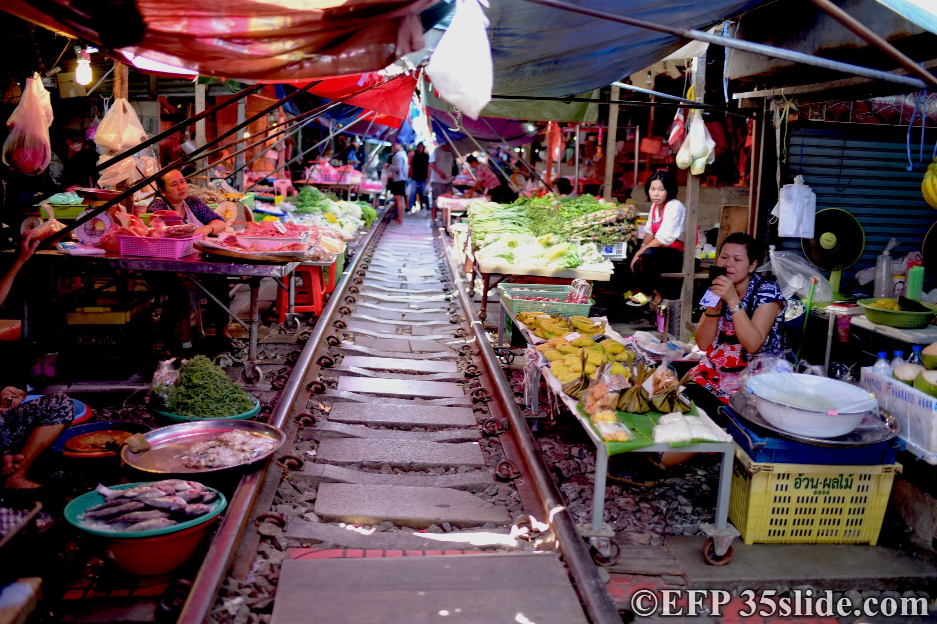 Railway Market THAI.jpg