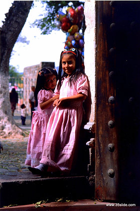 Flower Girls, Mexico